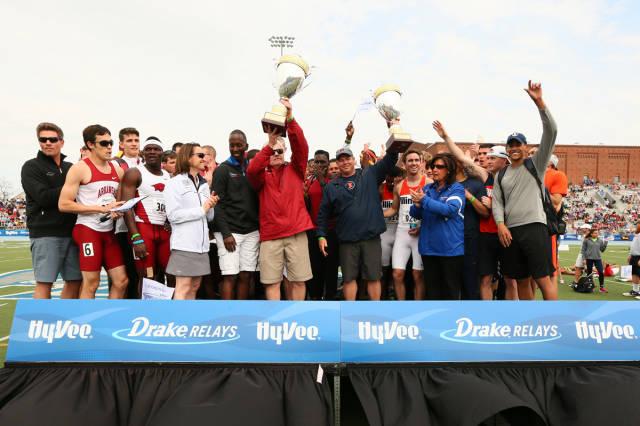 Illinois & Arkansas share men's Hyvee Cup.