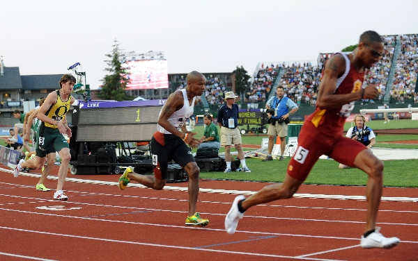 Wheating, Harris and Solomon after the gun goes off. (Randy Miyazaki / TrackandFieldPhoto.com)